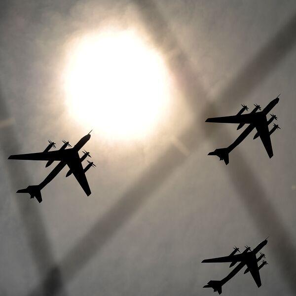 Стратегические бомбардировщики Ту-95. Архивное фото - Sputnik Таджикистан