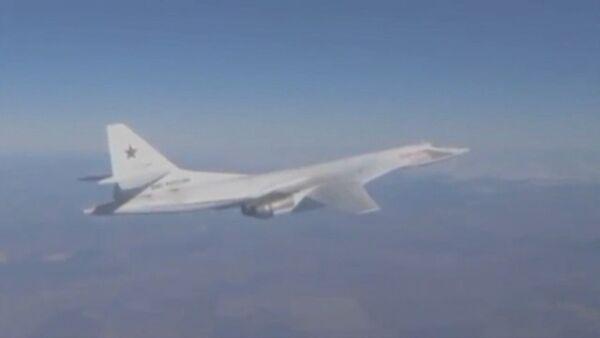 Самолеты Ty-160, Ту-95МС и Ту-22М3 сбросили ракеты на объекты ИГ в Сирии - Sputnik Таджикистан