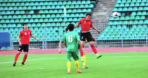 Матч первенства Таджикистана среди молодежных составов команд высшей лиги - Sputnik Таджикистан