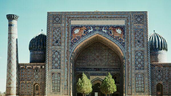 Медресе Шердор в Самарканде. Архивное фото - Sputnik Таджикистан