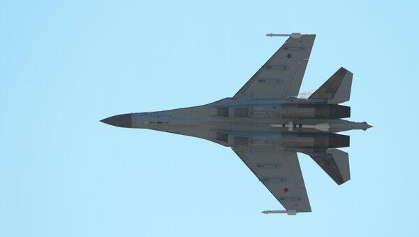Истребитель Су-35, архивное фото - Sputnik Таджикистан