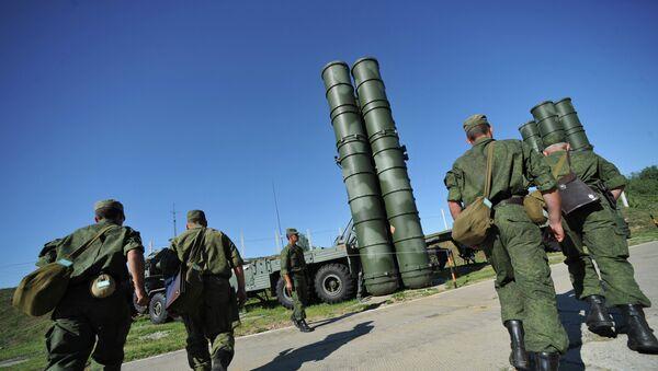 Пусковая установка зенитной ракетной системы комплекса С-400 Триумф. Архивное фото - Sputnik Таджикистан