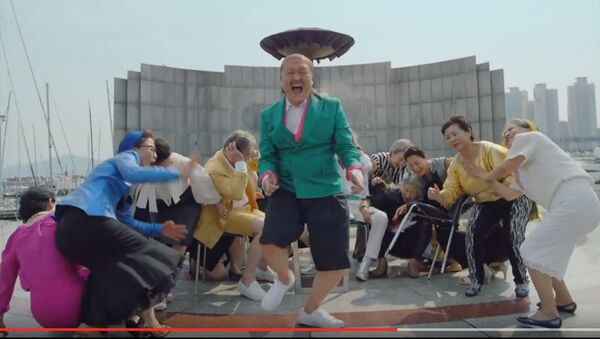 Рекорди нави Gangnam Style - Sputnik Тоҷикистон