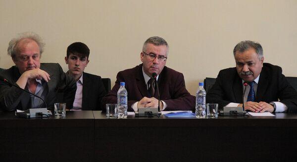 Ҷаласаи Шӯрои ВАО-и Тоҷикистон  4 декабри соли 2015 - Sputnik Тоҷикистон