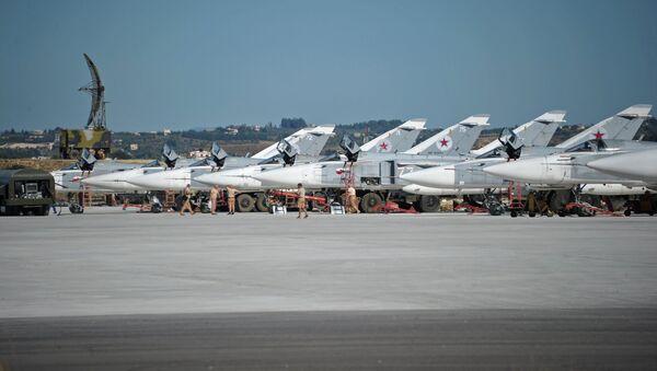 Российская боевая авиация на авиабазе Хмеймим в Сирии. Архивное фото. - Sputnik Таджикистан