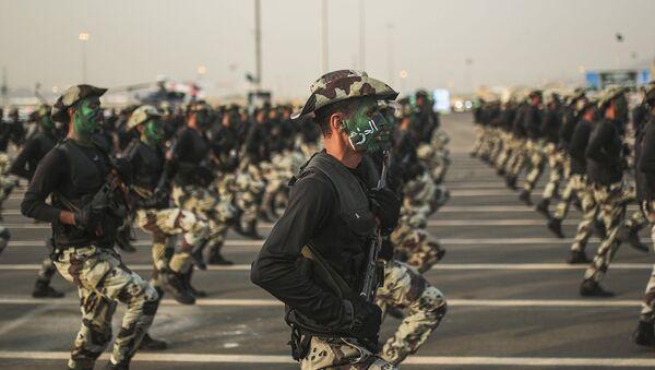Силы безопасности Саудовской Аравии во время парада. Архивное фото - Sputnik Таджикистан