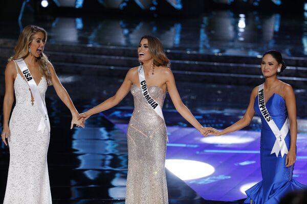 Слева направо: мисс США Оливия Джордан, мисс Колумбия Ариадна Гутьерес и мисс Филиппины Алонсо Вуртсбах - Sputnik Таджикистан