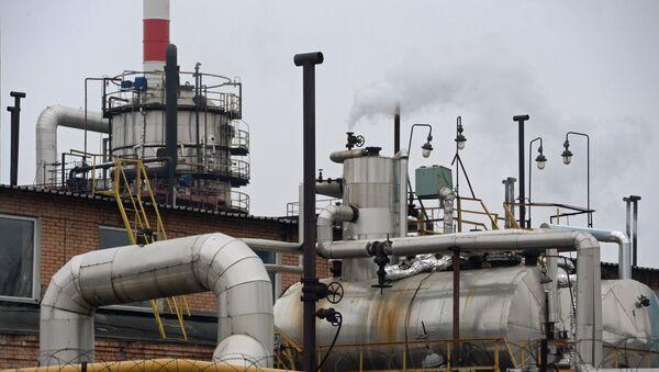 Нефтеперерабатывающий завод (НПЗ). Архивное фото. - Sputnik Таджикистан