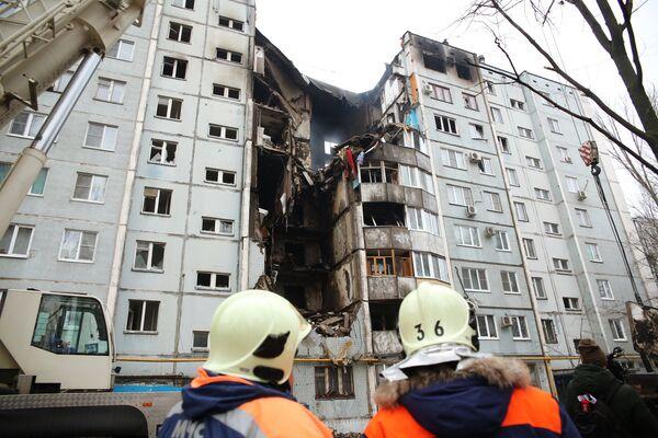 Последствия взрыва газа в жилом доме в Волгограде - Sputnik Таджикистан