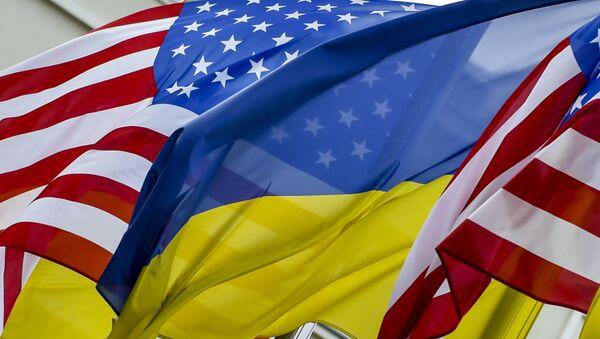Флаги США и Украины. Архивное фото. - Sputnik Таджикистан