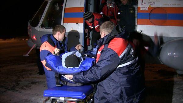 Спасатели на Ми-8 забрали с базы геологов пострадавшего на перевале Дятлова - Sputnik Таджикистан