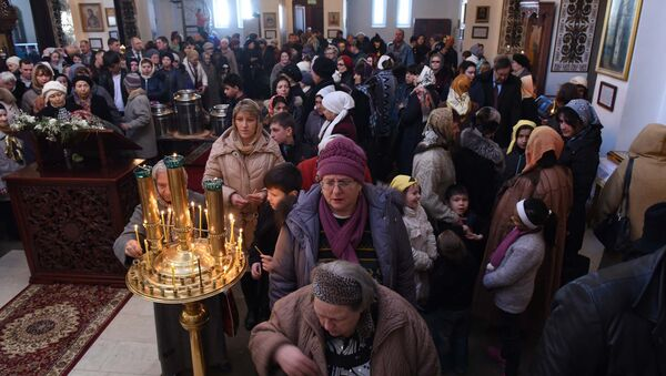 Крещение Господне в Свято-Никольском соборе ДушанбеЮ архивное фото - Sputnik Таджикистан