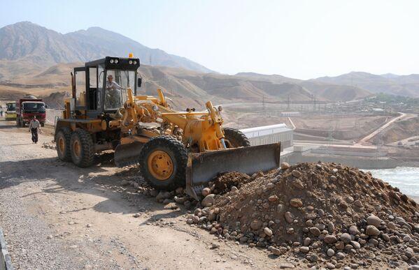 Сангтудинская ГЭС-1 на реке Вахш в Таджикистане - Sputnik Таджикистан