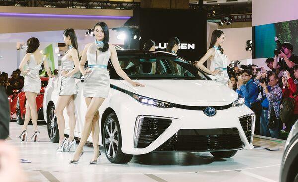 Toyota Prius на международном автосалоне. Архивное фото - Sputnik Таджикистан