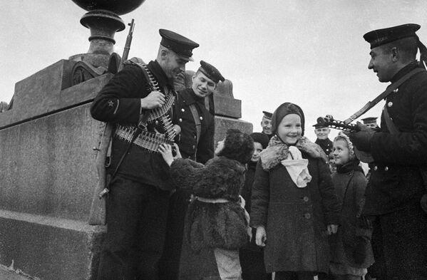 Защитники блокадного Ленинграда - Sputnik Таджикистан