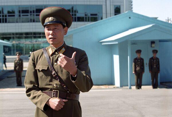На границе КНДР с Южной Кореей на 17-й параллели. Архивное фото - Sputnik Таджикистан