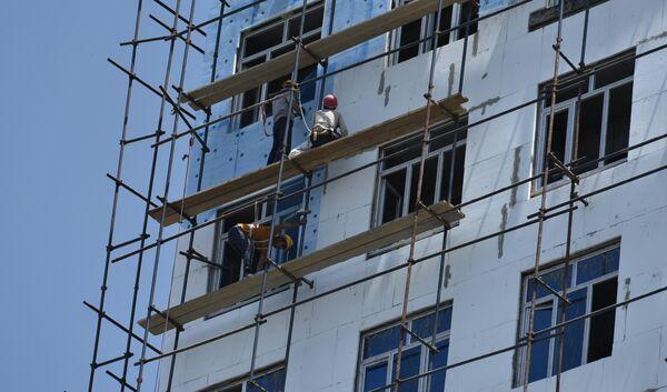 Строительство высотного жилого дома в Душанбе. Архивное фото - Sputnik Таджикистан