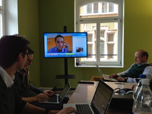 Видеоконференция по Skype - Sputnik Таджикистан