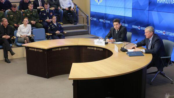 Генеральный секретарь ОДКБ Николай Бордюжа (справа) на пресс-конференции в международном мультимедийном пресс-центре МИА Россия сегодня - Sputnik Таджикистан