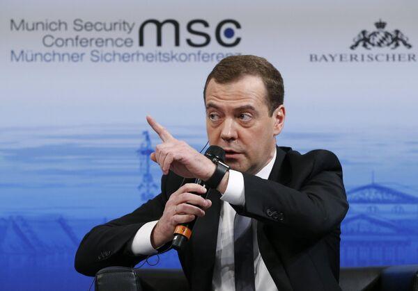 13 февраля 2016. Председатель правительства РФ Дмитрий Медведев на Мюнхенской конференции по вопросам политики безопасности. - Sputnik Таджикистан