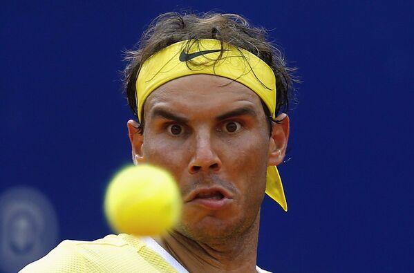 Испанский теннисист Рафаэль Надаль во время игры с соперником из Австрии на турнире Argentina Open в  Буэнос-Айресе (Аргентина) - Sputnik Таджикистан