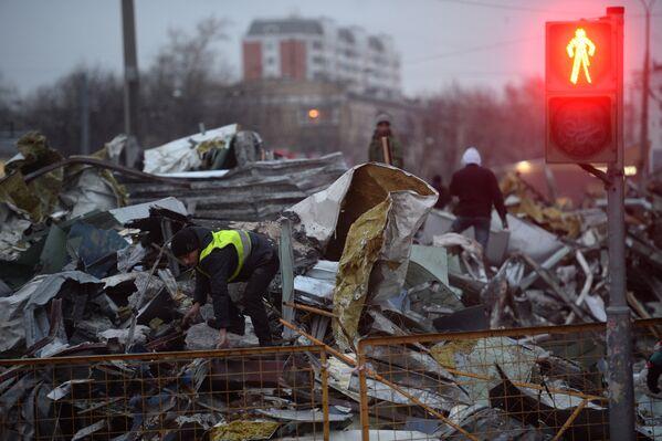 В Москве продолжается снос незаконных построек - Sputnik Таджикистан