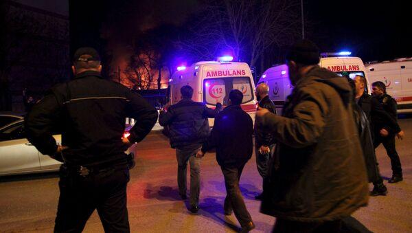 Машины скорой помощи на месте теракта в Анкаре - Sputnik Таджикистан