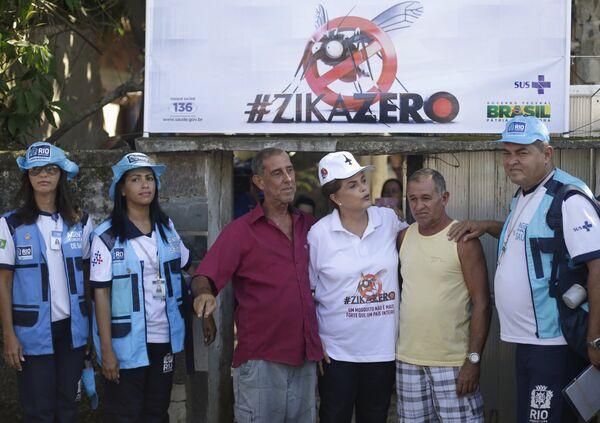 Президент Бразилии Дилма Руссефф лично объясняет жителям страны, как обезопасить себя от вируса Зика - Sputnik Таджикистан