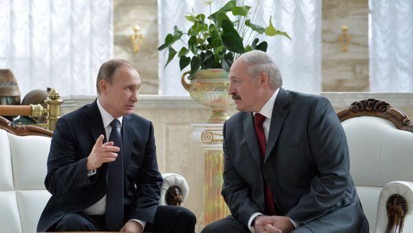 Президент России Владимир Путин и президент Белоруссии Александр Лукашенко - Sputnik Таджикистан