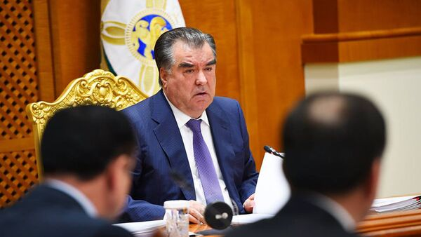 Эмомали Рахмон на заседании правительства 29 февраля 2016 года  - Sputnik Тоҷикистон