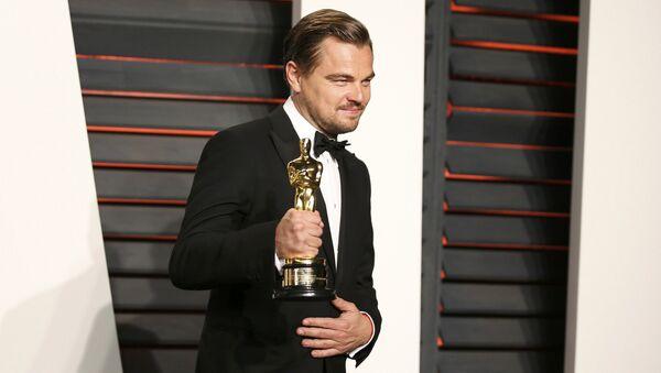Леонардо Ди Каприо с наградой Оскар - Sputnik Таджикистан