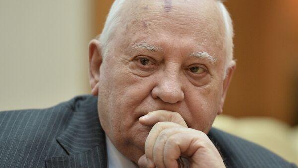 Бывший президент СССР Михаил Горбачев на презентации книги Горбачев в жизни, архивное фото - Sputnik Таджикистан