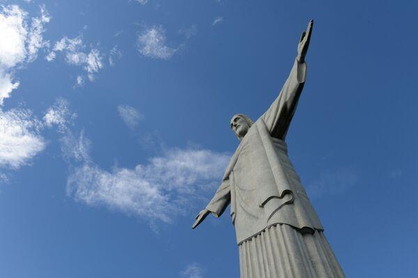Статуя Христа-Искупителя на горе Корковаду в Рио-де-Жанейро - Sputnik Таджикистан