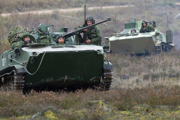Летно-тактические учения ВДВ. Архивное фото - Sputnik Таджикистан