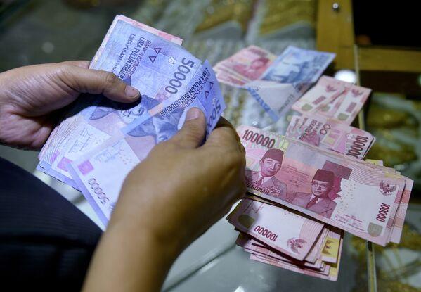 Индийская рупия. Архивное фото - Sputnik Таджикистан