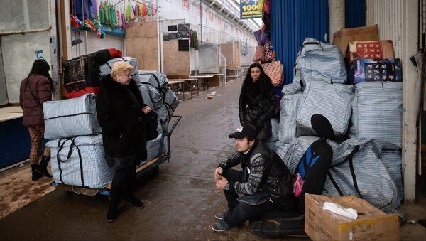 Московский рынок Садовод, архивное фото - Sputnik Тоҷикистон