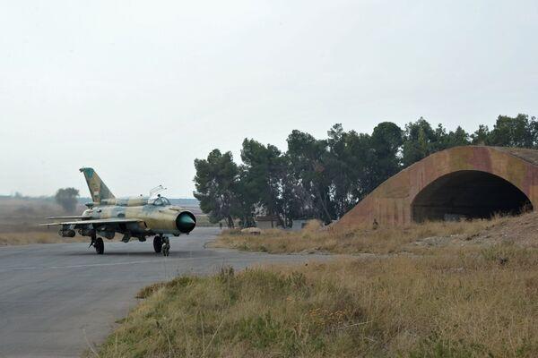 Военная авиабаза Хама в Сирии - Sputnik Таджикистан