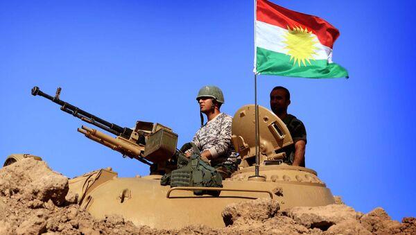 Военные с флагом Курдистана. Архивное фото - Sputnik Тоҷикистон