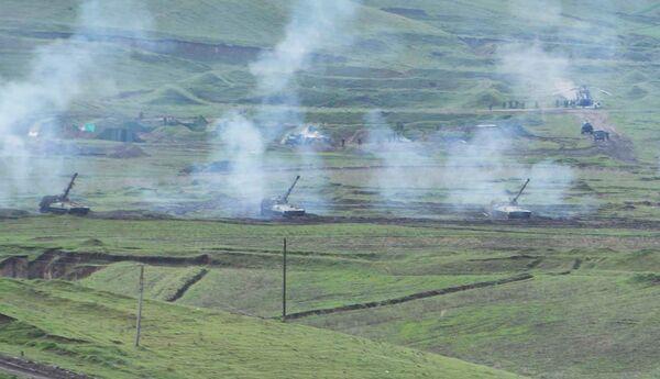 Артиллерия на совместных учениях российских и таджикских военных на полигоне Ляур. Архивное фото - Sputnik Таджикистан