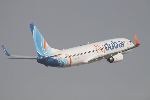 Самолет Boeing 737-800 авиакомпании Fly Dubai. Архивное фото - Sputnik Таджикистан