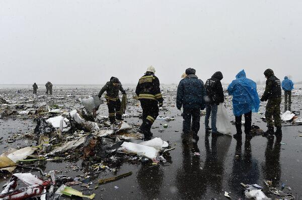 Пассажирский самолет Boeing-737-800 разбился при посадке в аэропорту Ростова-на-Дону - Sputnik Таджикистан