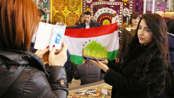 Празднование Навруза в ВДНХ - Sputnik Таджикистан