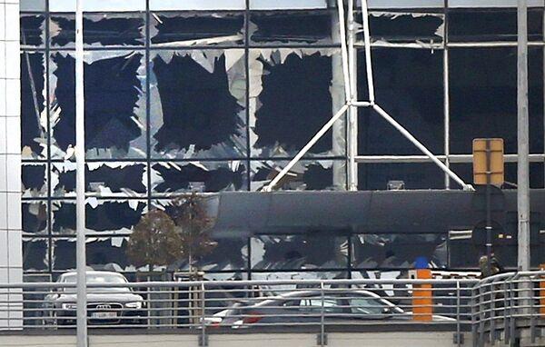Терминал дар фурудгоҳи байналмилалии Брюссел баъди инфиҷори бомба - Sputnik Тоҷикистон