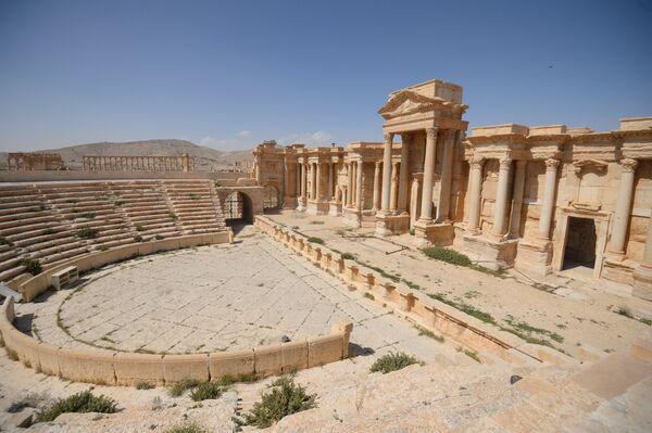 Разрушенная историческая часть Пальмиры, архивное фото - Sputnik Таджикистан