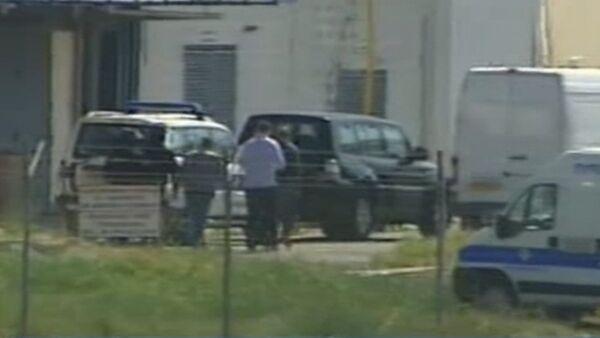 Кадры задержания захватчика египетского самолета А320 в аэропорту Ларнаки - Sputnik Таджикистан