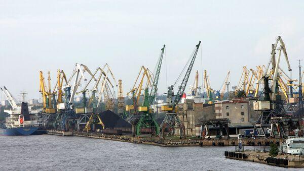 Порт в Риге. Архивное фото - Sputnik Таджикистан