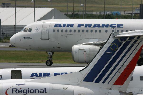 Пассажирские лайнеры французской авиакомпании Air France. Архивное фото - Sputnik Таджикистан