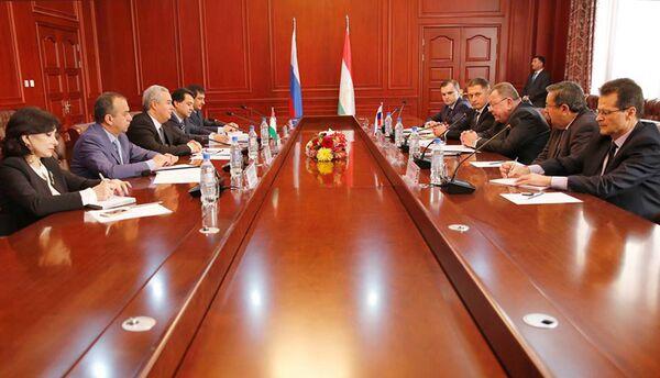 Политические консультации между министерствами иностранных дел Таджикистана и Российской Федерации - Sputnik Таджикистан