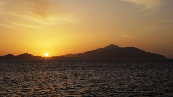 Восход солнца на острове Тиран (Tiran Island). Архивное фото - Sputnik Таджикистан