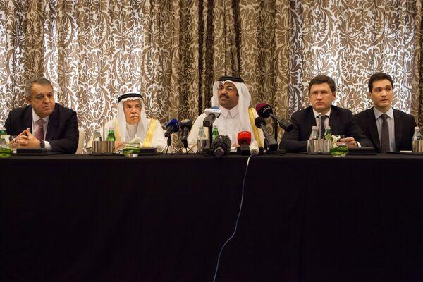Встреча представителей нефтедобывающих стран в Дохе, 17 апреля 2016 года - Sputnik Таджикистан